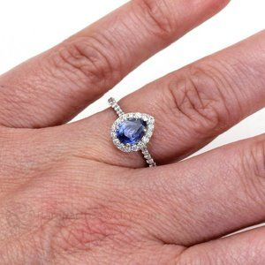 Beautiful pear shape SRI LANKA BLUE SAPPHIRE diamo